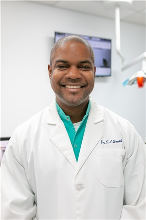 Another headshot of Dr. Shaun L. Smith.